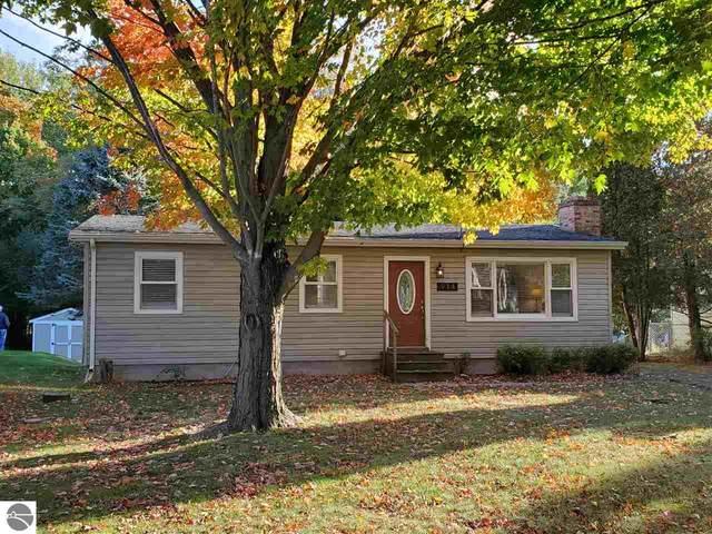 914 Elm Street, Frankfort, MI 49635 (MLS #1880856) :: Michigan LifeStyle Homes Group