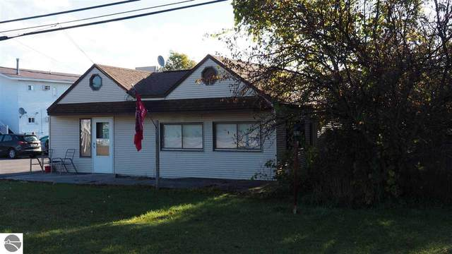 427 N Michigan Avenue, Beulah, MI 49617 (MLS #1880862) :: CENTURY 21 Northland