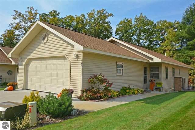 9803 Deer Track Court, Interlochen, MI 49643 (MLS #1880870) :: Michigan LifeStyle Homes Group