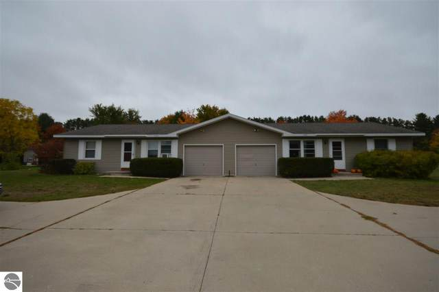 4292 Manhattan East, Traverse City, MI 49684 (MLS #1880932) :: Brick & Corbett