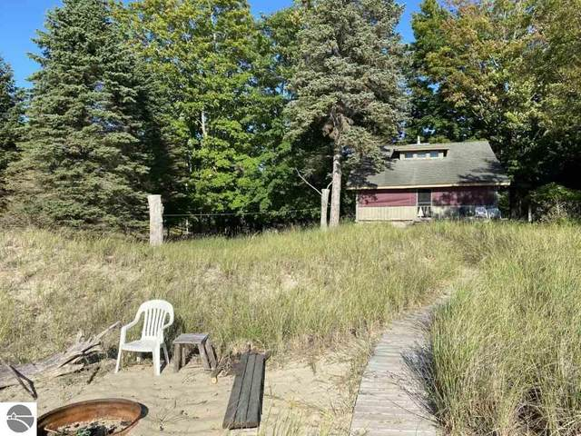 12614 Lakeview Road, Bear Lake, MI 49614 (MLS #1881023) :: Michigan LifeStyle Homes Group