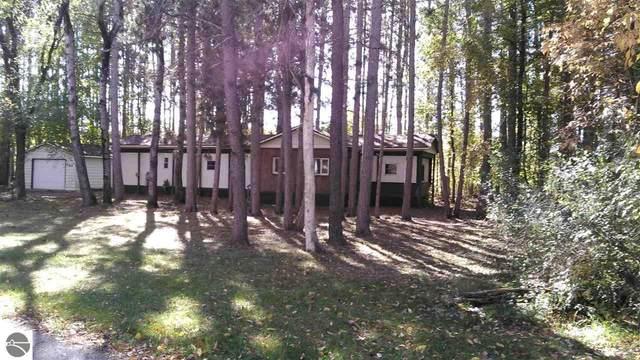 704 Pine Street, Bellaire, MI 49615 (MLS #1881027) :: Michigan LifeStyle Homes Group
