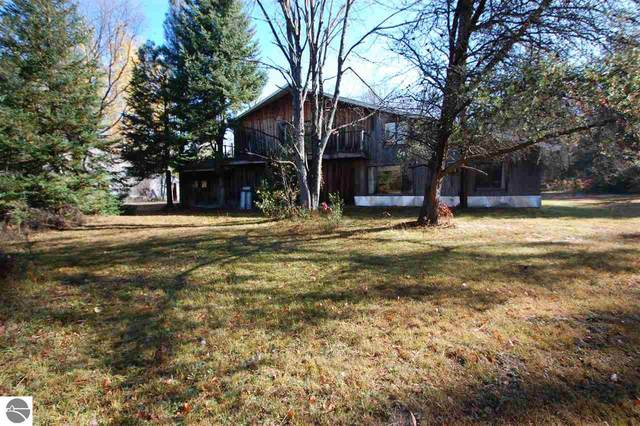 4629 S Simmons Road, Alger, MI 48610 (MLS #1881150) :: Michigan LifeStyle Homes Group