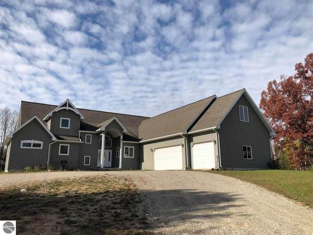 2107 E Countyline Road, Hale, MI 48739 (MLS #1881181) :: Team Dakoske | RE/MAX Bayshore