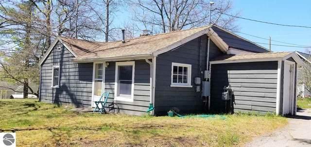 801 Kelley Street, Traverse City, MI 49686 (MLS #1881231) :: Brick & Corbett