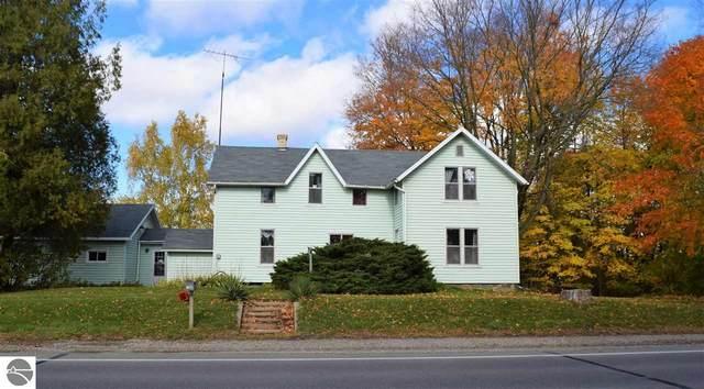 1088 W Remus Road, Mt Pleasant, MI 48858 (MLS #1881248) :: Brick & Corbett