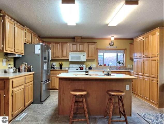 2415 W Fremont Road, Shepherd, MI 48883 (MLS #1881273) :: Boerma Realty, LLC