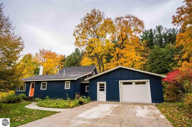 6094 E Duck Lake Road, Lake Leelanau, MI 49653 (MLS #1881275) :: Boerma Realty, LLC