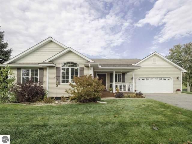 1392 Duke Hollow, Traverse City, MI 49696 (MLS #1881290) :: Michigan LifeStyle Homes Group