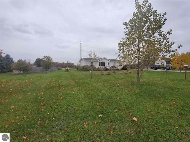 11825 Erwin Road, Coleman, MI 48618 (MLS #1881323) :: Boerma Realty, LLC