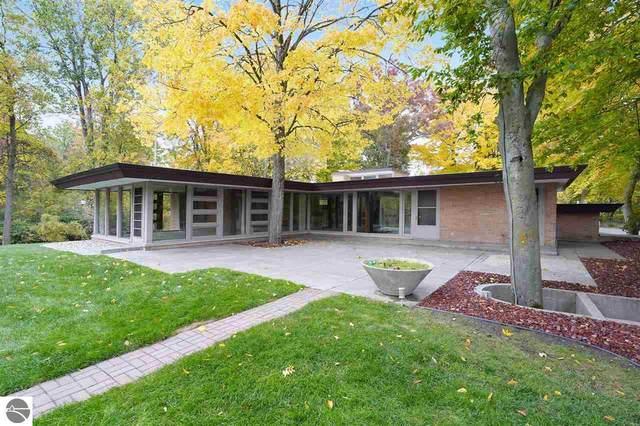 1121 Greenbanks Drive, Mt Pleasant, MI 48858 (MLS #1881333) :: Brick & Corbett