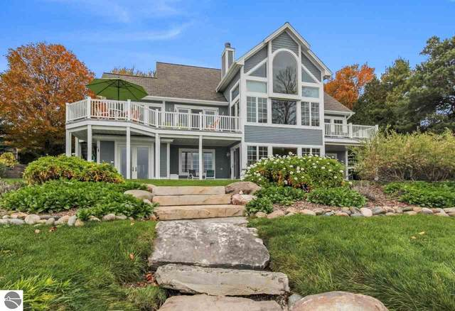 2160 N West Bay Shore, Suttons Bay, MI 49682 (MLS #1881341) :: Michigan LifeStyle Homes Group