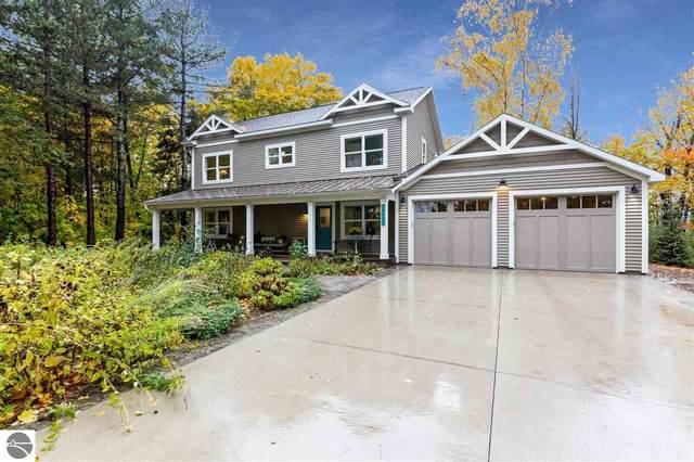 15653 Upper Birch Drive, Traverse City, MI 49686 (MLS #1881349) :: Michigan LifeStyle Homes Group