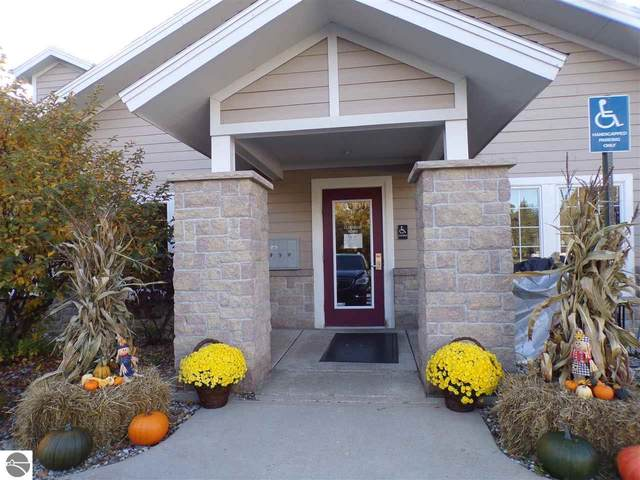 1246 Sunnyside Drive 303,Wk 7, Cadillac, MI 49601 (MLS #1881472) :: Michigan LifeStyle Homes Group