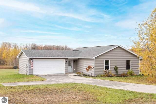 9144 Kingsfield Drive, Kingsley, MI 49649 (MLS #1881483) :: Michigan LifeStyle Homes Group