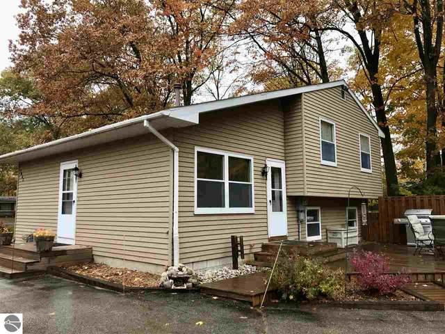 1947 Lardie Road, Traverse City, MI 49686 (MLS #1881506) :: Michigan LifeStyle Homes Group