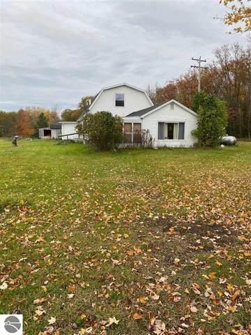 1010 W Trask Lake Road, Barton City, MI 48705 (MLS #1881508) :: CENTURY 21 Northland