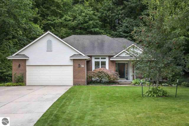 8273 S Forest, Traverse City, MI 49684 (MLS #1881523) :: Michigan LifeStyle Homes Group