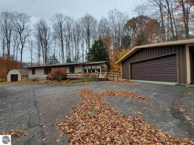 281 Forest Trail, Leroy, MI 49655 (MLS #1881555) :: Michigan LifeStyle Homes Group