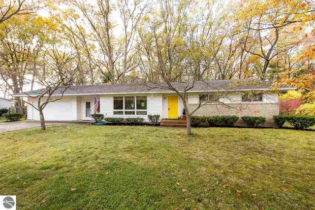 804 Westminster Road, Traverse City, MI 49686 (MLS #1881561) :: Michigan LifeStyle Homes Group
