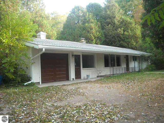 2598 Frankfort Highway, Frankfort, MI 49635 (MLS #1881571) :: Michigan LifeStyle Homes Group