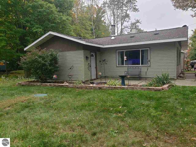 8046 Pebble Creek Drive, Farwell, MI 48622 (MLS #1881574) :: Michigan LifeStyle Homes Group