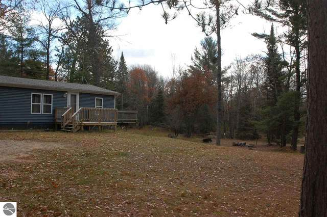 2200 Smith Lane, West Branch, MI 48661 (MLS #1881601) :: Michigan LifeStyle Homes Group
