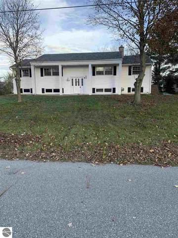 310 East Drive, Mt Pleasant, MI 48858 (MLS #1881655) :: Brick & Corbett