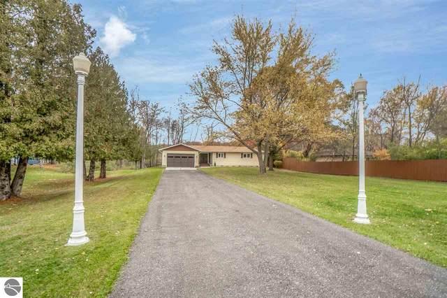 6951 Riverside Drive, Mt Pleasant, MI 48858 (MLS #1881661) :: Brick & Corbett