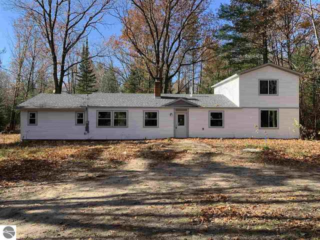 2967 E Countyline Road, Hale, MI 48739 (MLS #1881662) :: Michigan LifeStyle Homes Group