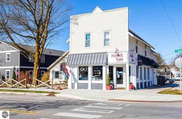 802 W Front Street, Traverse City, MI 49684 (MLS #1881771) :: Brick & Corbett
