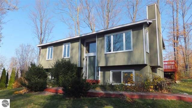 8984 Crockett Road, Williamsburg, MI 49690 (MLS #1881812) :: Brick & Corbett