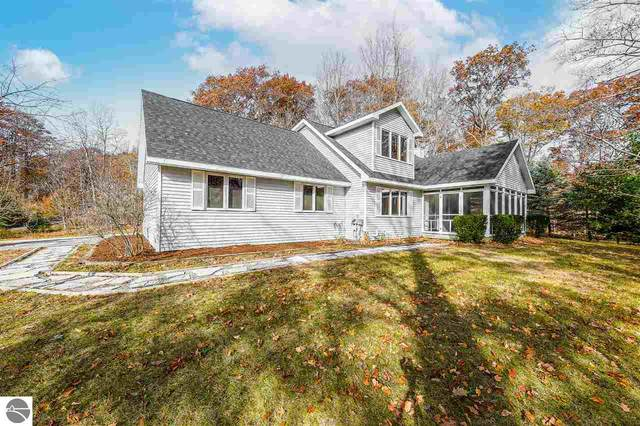 1395 W Long Lake Road, Traverse City, MI 49684 (MLS #1881857) :: Brick & Corbett
