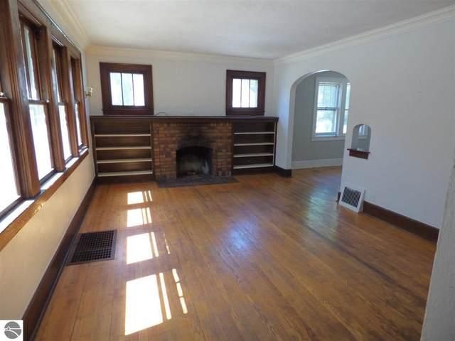 1006 Jefferson Avenue, Traverse City, MI 49684 (MLS #1882026) :: Brick & Corbett