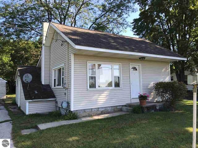 527 E Wright Avenue, Shepherd, MI 48883 (MLS #1882149) :: Boerma Realty, LLC