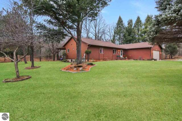 1045 Dracka Road, Traverse City, MI 49685 (MLS #1882212) :: Team Dakoske | RE/MAX Bayshore