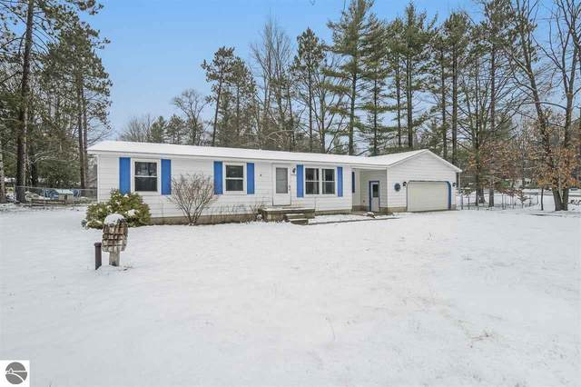 9596 Circle Drive, Interlochen, MI 49643 (MLS #1882239) :: Team Dakoske | RE/MAX Bayshore