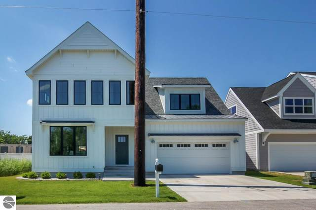 1358 Lake Ridge Drive, Traverse City, MI 49684 (MLS #1882346) :: Brick & Corbett