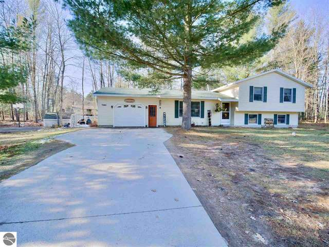 7265 Red Maple Drive, Cadillac, MI 49601 (MLS #1882443) :: CENTURY 21 Northland