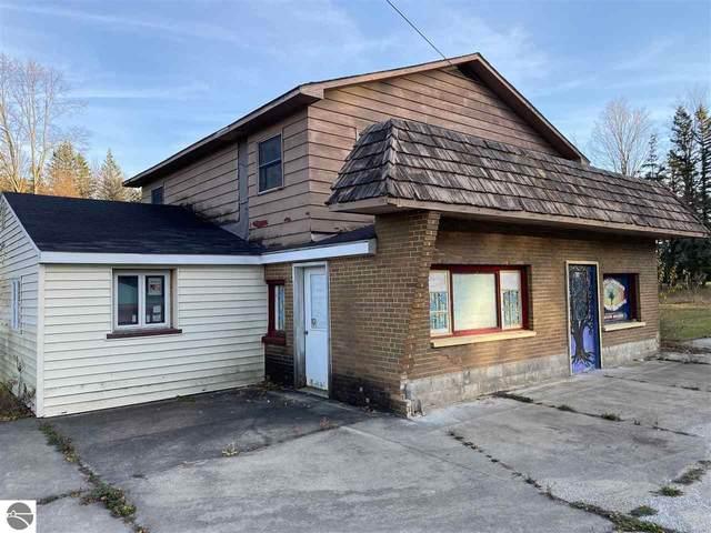 906 N Bridge Street, Bellaire, MI 49615 (MLS #1882458) :: Team Dakoske | RE/MAX Bayshore