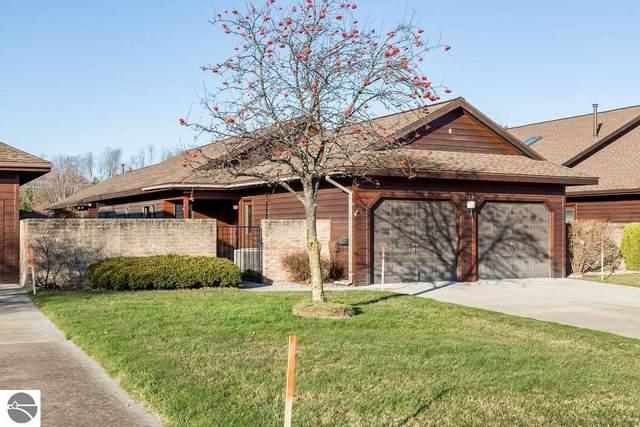 2185 Hammond Place Center, Traverse City, MI 49686 (MLS #1882468) :: Brick & Corbett