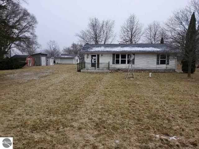 9999 W North County Line Road, Shepherd, MI 48883 (MLS #1882811) :: Boerma Realty, LLC