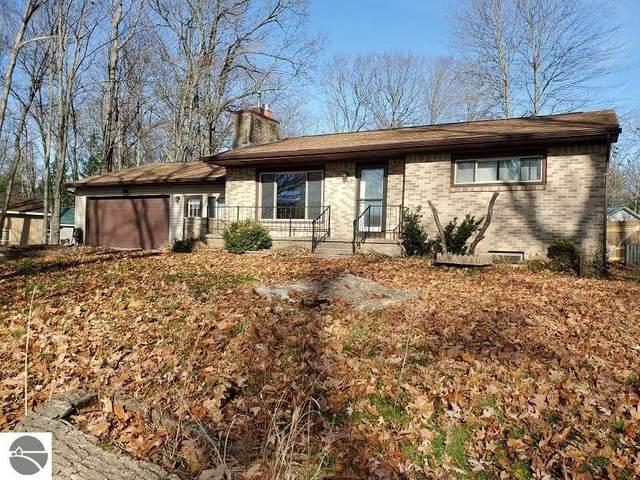 1749 Lake Drive, Harrison, MI 48625 (MLS #1882944) :: CENTURY 21 Northland