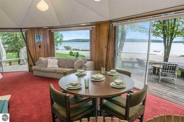 1205 E South Shore Drive, Frankfort, MI 49635 (MLS #1883013) :: Michigan LifeStyle Homes Group