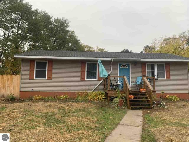 1753 Airway Drive, Mt Pleasant, MI 48858 (MLS #1883022) :: Michigan LifeStyle Homes Group