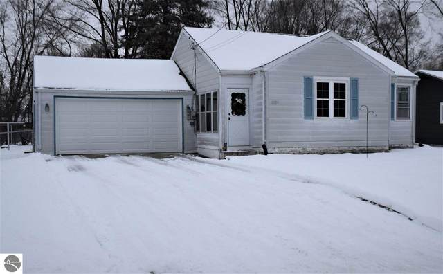 1208 Robert Street, Mt Pleasant, MI 48858 (MLS #1883132) :: Michigan LifeStyle Homes Group