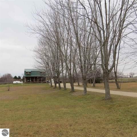 11248 E Mannsiding Road, Gladwin, MI 48624 (MLS #1883165) :: CENTURY 21 Northland