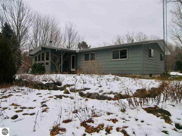 323 E Harbor Highway, Maple City, MI 49664 (MLS #1883220) :: Michigan LifeStyle Homes Group