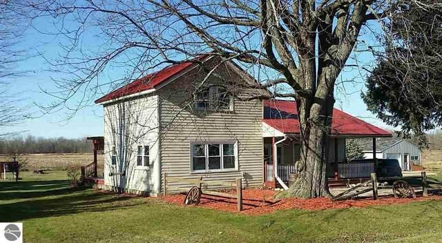 3454 S Mt Hope Road, Crystal, MI 48818 (MLS #1883269) :: Boerma Realty, LLC