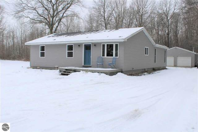 92 S Pure Road, Shepherd, MI 48883 (MLS #1883371) :: Brick & Corbett